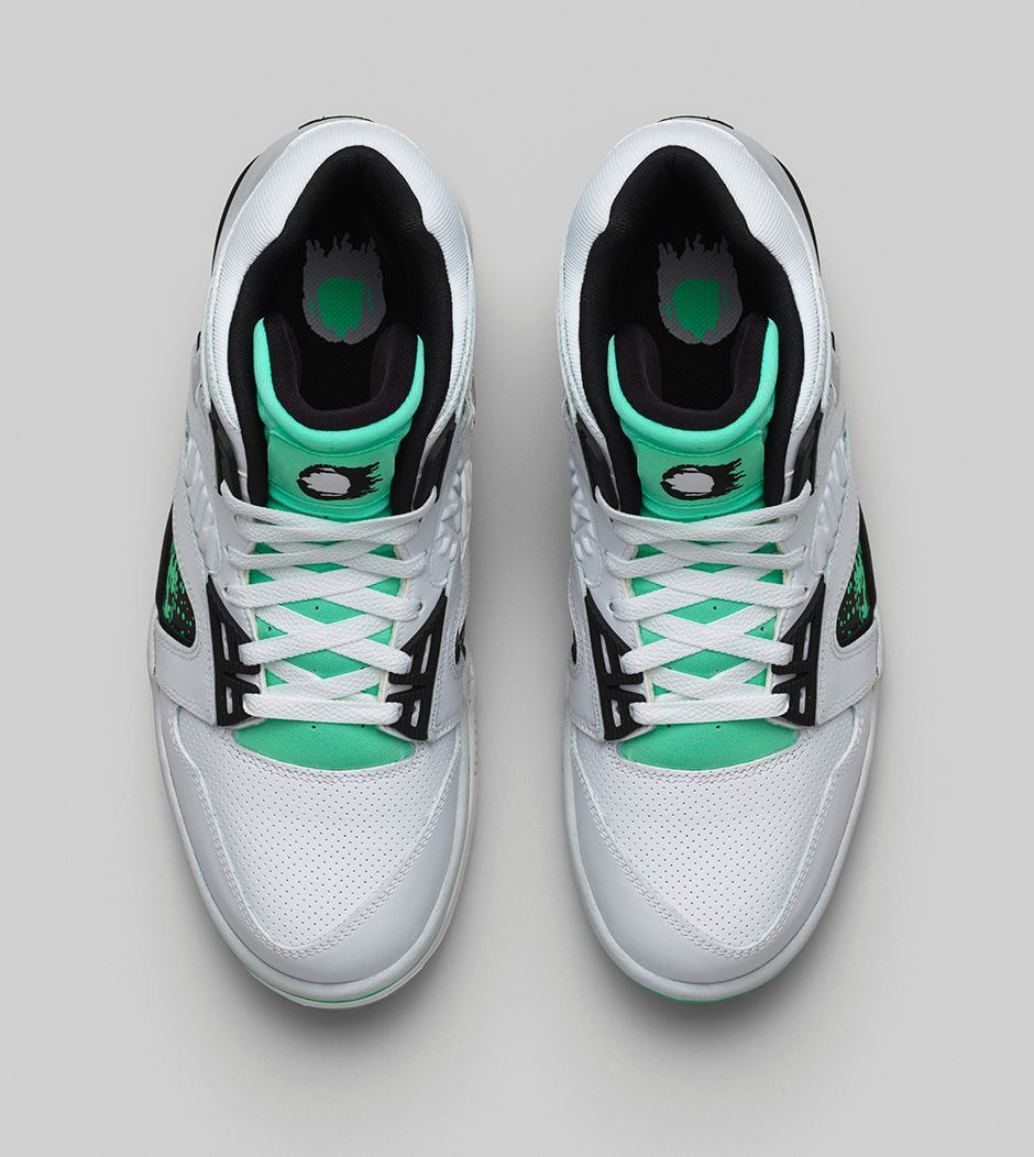 nike-air-tech-challenge-hybrid-white-green-glow-wolf-grey-ice-release-date-info-4