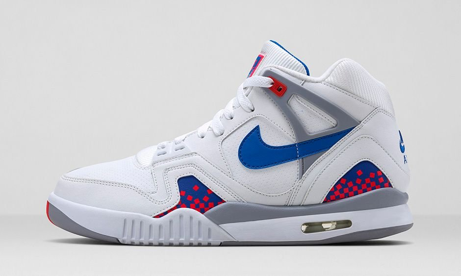 release-reminder-nike-air-tech-challenge-ii-white-royal-blue-infrared-flt-silver-1