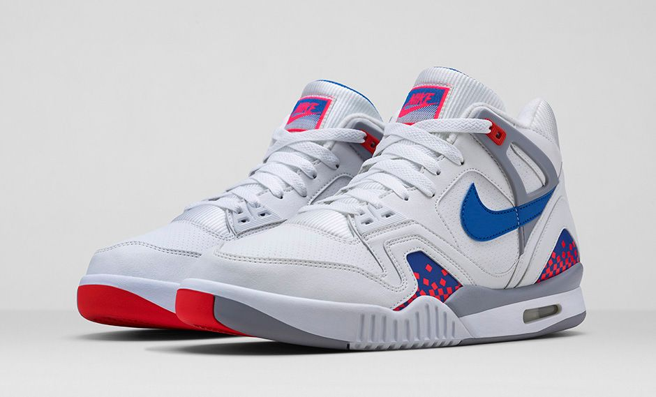 release-reminder-nike-air-tech-challenge-ii-white-royal-blue-infrared-flt-silver-3