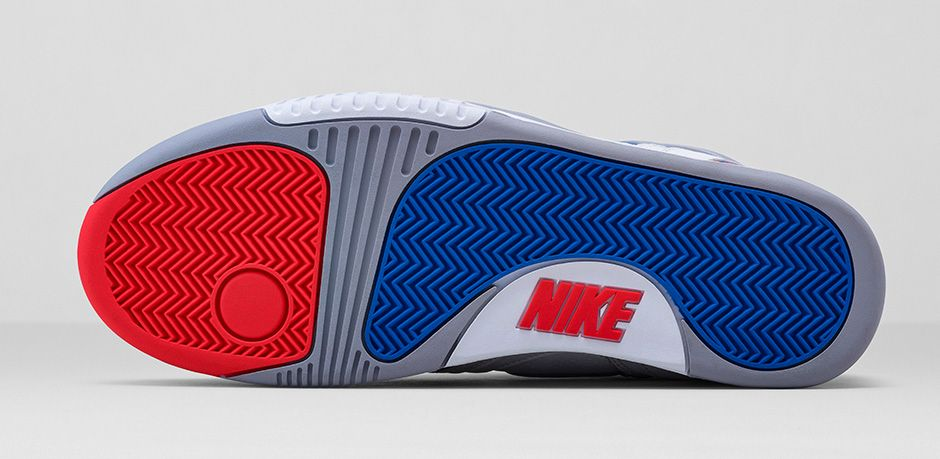 release-reminder-nike-air-tech-challenge-ii-white-royal-blue-infrared-flt-silver-6