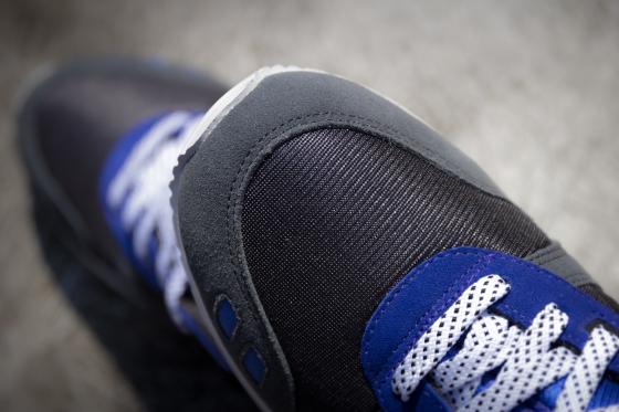 sneaker-freaker-asics-gel-lyte-iii-alvin-purple-7