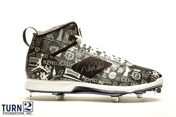 Derek Jeters Air Jordan Lux 2.0 PE Cleats Going up for Auction