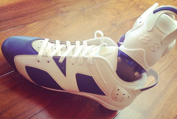 Dez Bryant Gives Chris Paul a Pair of Air Jordan 6 PE Cleats