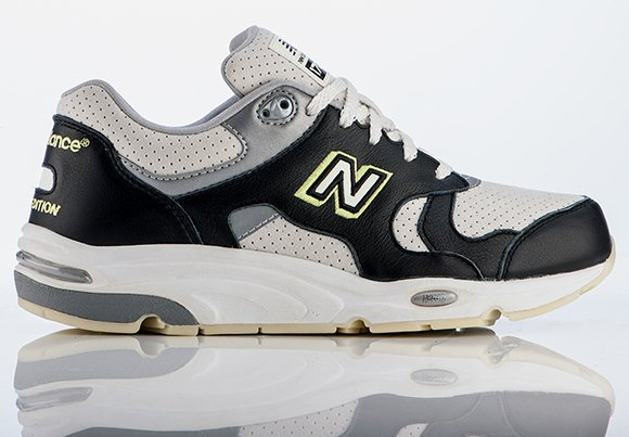 Barneys New York x New Balance 1700 Glow in the Dark