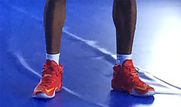 LeBron James Shows us the Cavs Nike LeBron 12