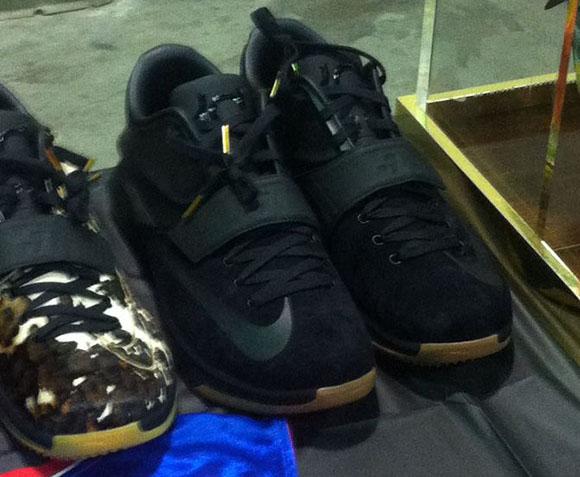 Nike KD 7 Black Suede - First Look