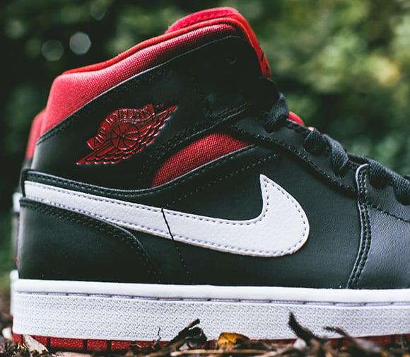 Air Jordan 1 Mid - Black/Gym Red-White