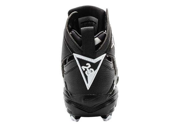 Air Jordan 7 MCS Cleats Now Available