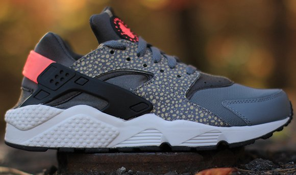 Nike Air Huarache Run Safari