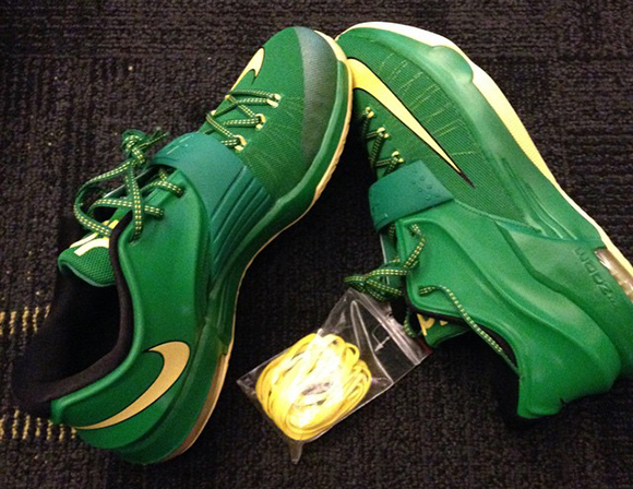 Nike KD 7 Made for Oregon Ducks Players