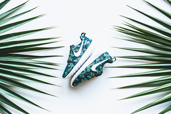 f5a0d47d5bad Nike Roshe Run Print  Floral  in Space Blue Poison Green