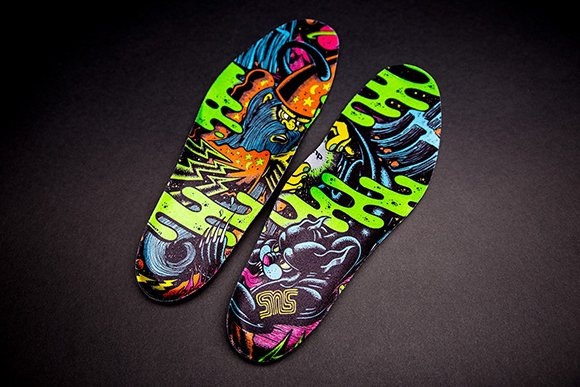 SneakersNStuff x Reebok The Pump Blacklights 25th Anniversary