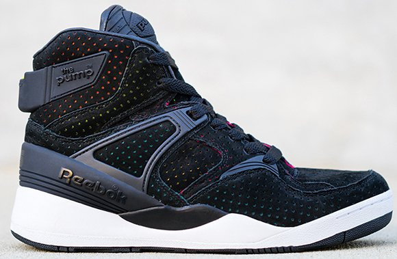 SneakersNStuff Reebok The Pump Blacklights