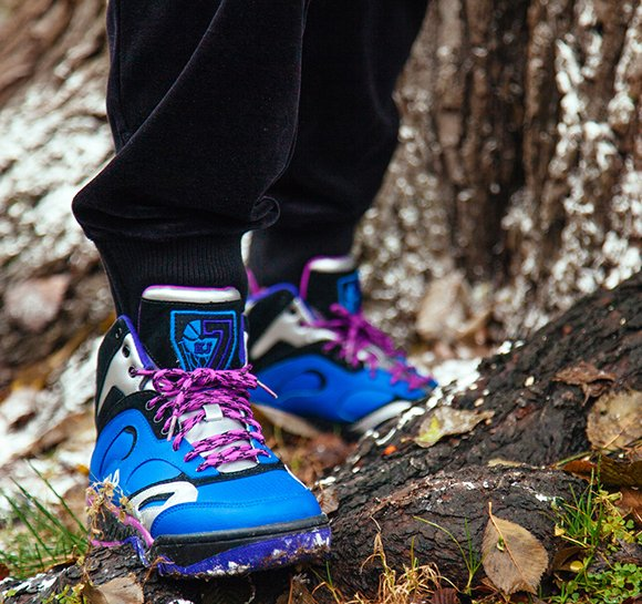 Fila Overpass and KJ7 Snow Expedition Pack