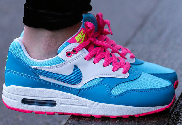 pink blue and white air max