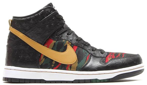 Nike Dunk High CMFT PRM QS Black Flat Gold Hyper Red Gorge Green