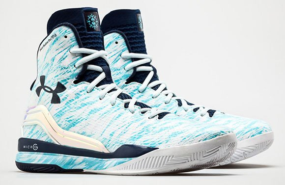 bac971e490ce Under Armour ClutchFit Drive  Blizzard  Curry s Christmas Day Kicks ...