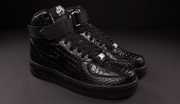 black nike air force 1 high womens