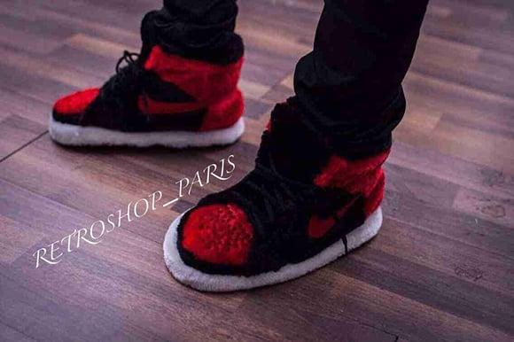 Air Jordan 1 Bred Slippers