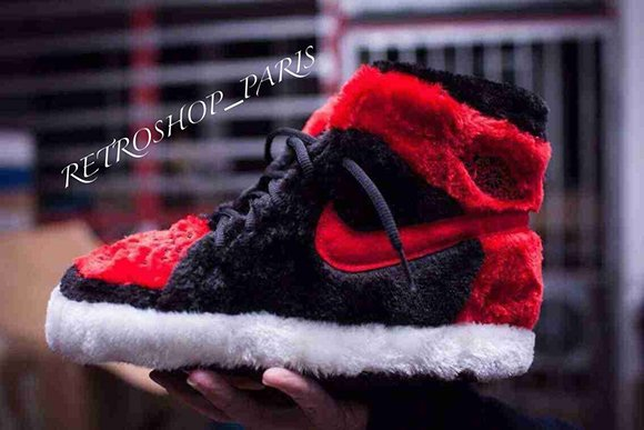 Air Jordan 1  Bred  Slippers  6b5fe50b8