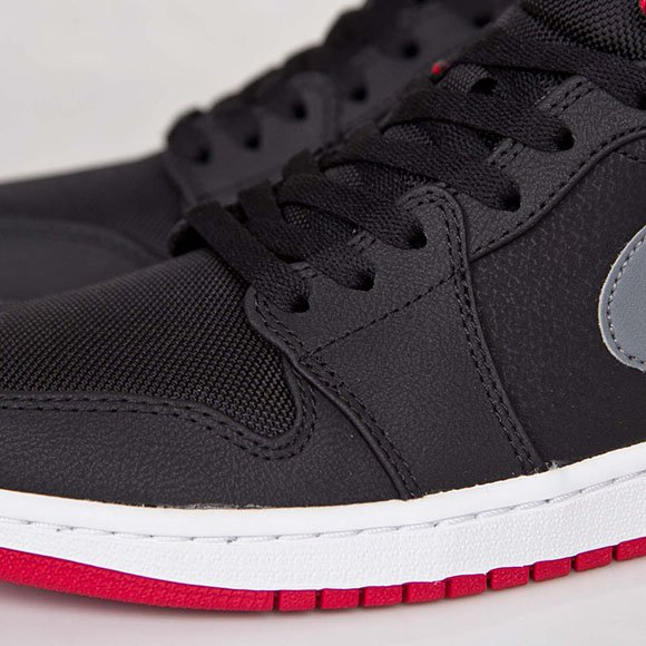 Air Jordan 1 Mid Black Cool Grey Gym RedAir Jordan 1 Mid Black Cool Grey Gym Red