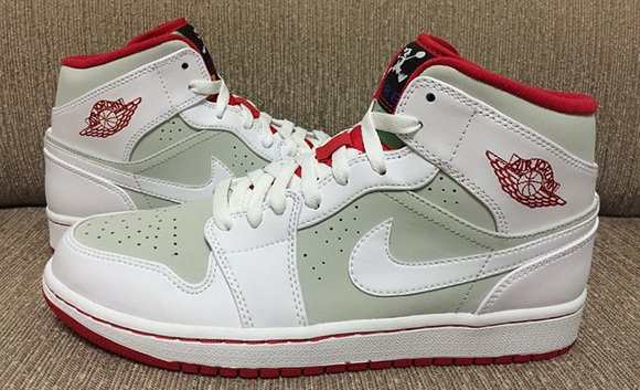 Air Jordan 1 Mid Hare Retro