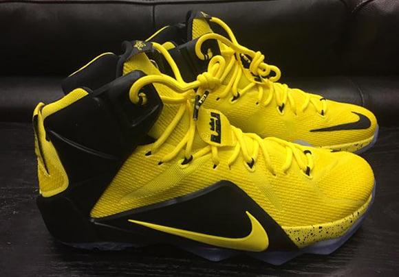 d0a3d0c8e8e Nike LeBron 12 Oregon Ducks Yellow   Black