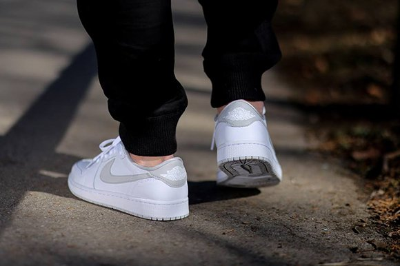 Air Jordan 1 Retro Low OG White Natural Grey On Foot