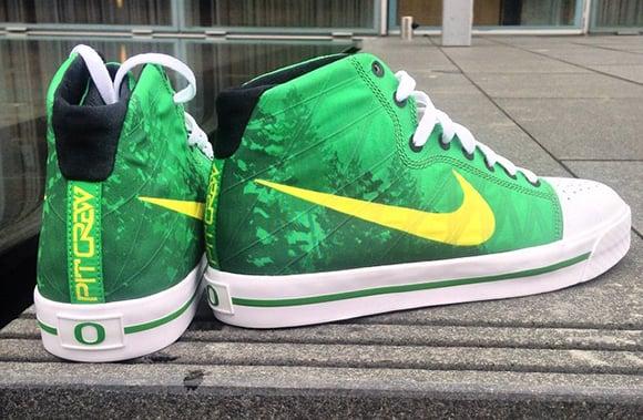 Nike Oregon Pit Crew Sneakers