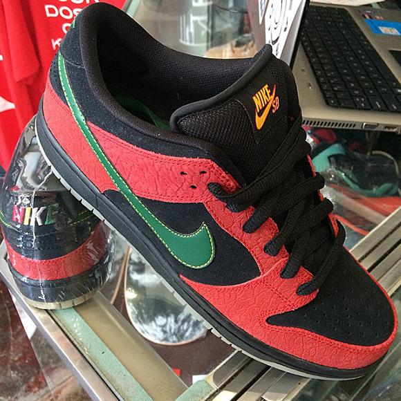 Nike SB Dunk Low BHM Sample