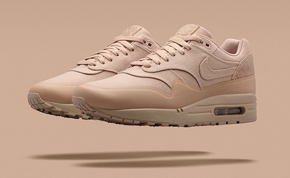 timeless design 859ef 40a5a Tan Nike Air Max 1 Patch
