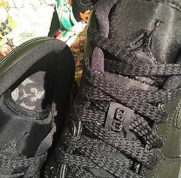 Air Jordan 1 Low Blackout