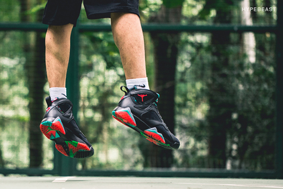 Air Jordan 7 Marvin the Martian On Foot