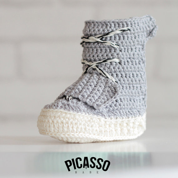 Crochet Yeezy : The crochet adidas Yeezy 750 is handmade with yarn and 100% cotton. As ...