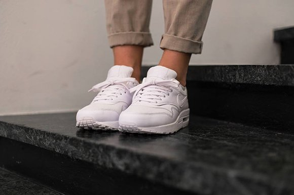 Nike Air Max 1 All White