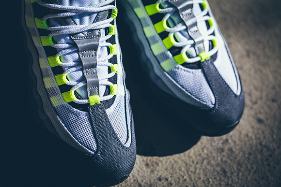 Nike Air Max 95 Neon Patch