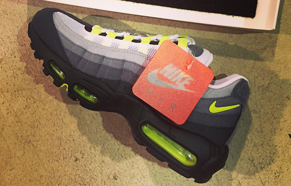 26afcfde5b Nike Air Max 95 Neon Patch 70%OFF - gowerpower.coop