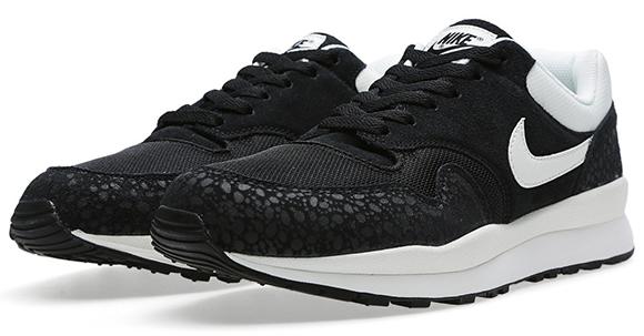 Nike Air Safari Black White