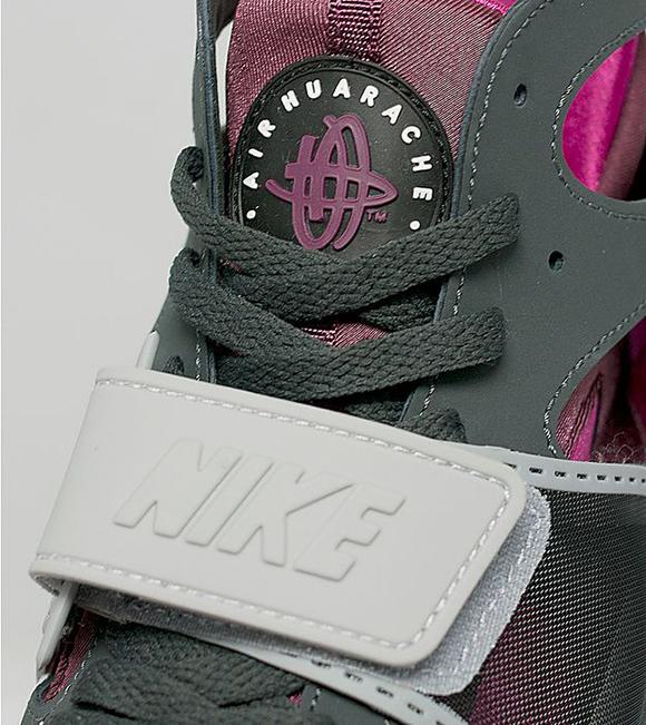 Nike Air Trainer Huarache Wolf Grey Pink