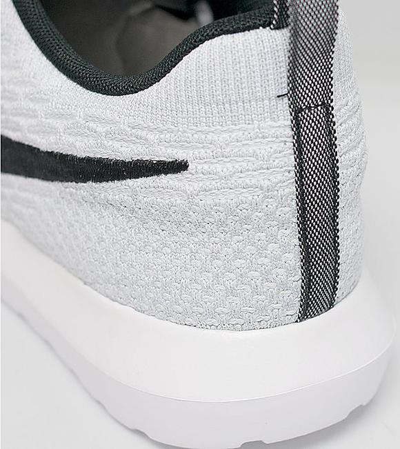 Nike Flyknit Roshe Run White Black