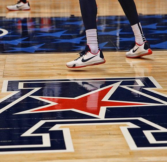 Nike Kobe 10 UCONN PE
