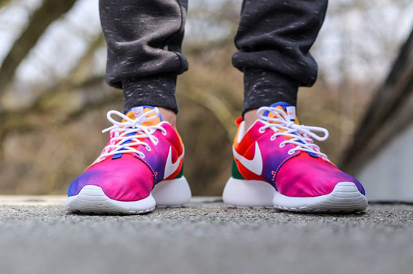 Nike Roshe Run Tie Dye Court Purple