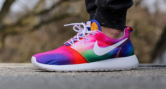 brand new a8fb3 91654 Nike Roshe Run Tie Dye Court Purple