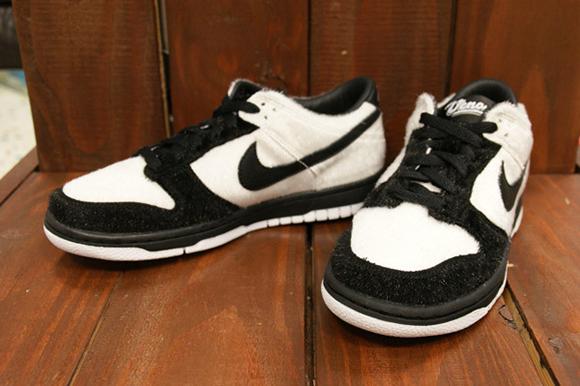 Nike SB Dunk Low Panda