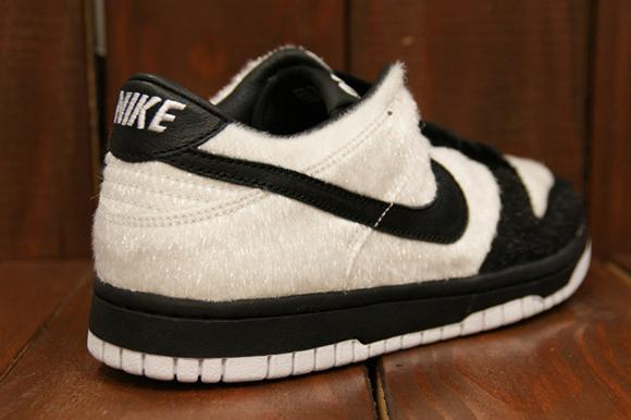 best service 57096 37b44 Nike SB Dunk Low 'Panda' - Detailed Look | SneakerFiles