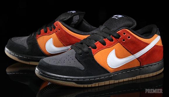 sneakers for cheap ec3ac 37ff9 Nike SB Dunk Low 'Un-Rayguns' | SneakerFiles