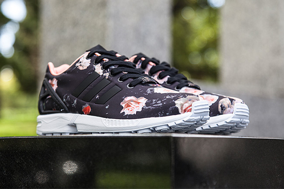 meet a7eb0 4f2d1 ... switzerland adidas zx flux black floral 10370 ee179
