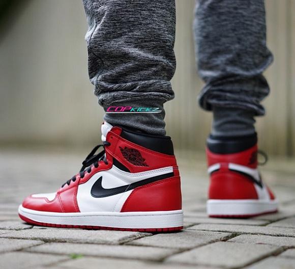 Air Jordan 1 Retro High OG Chicago On Foot