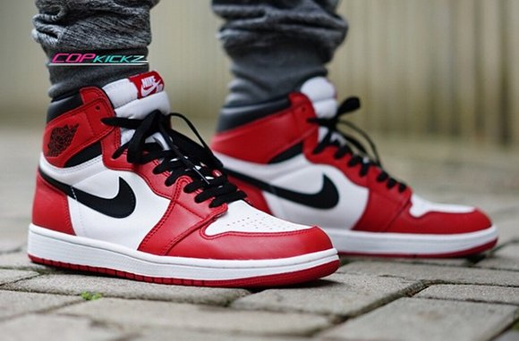 best sneakers 0201c 00ed6 Air Jordan 1 Retro High OG Chicago On Foot