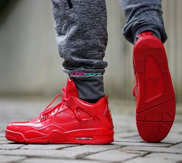 Air Jordan 11 Laboratorio De 4 Rojo En Los Pies 5xSYyY6b